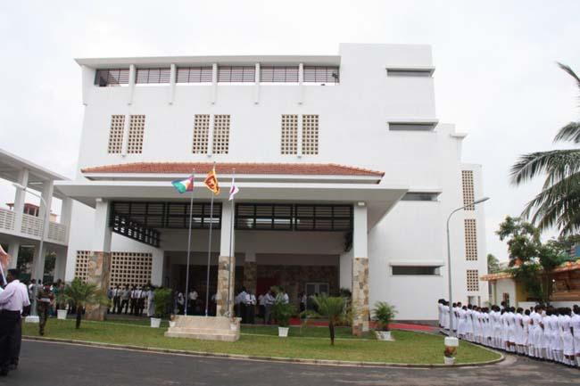 Jaffna_Hospital_upgraded_20130213_04p1